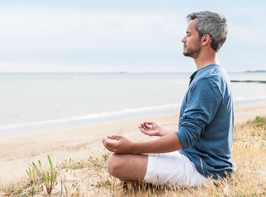 نقش یوگا در درمان واریکوسل